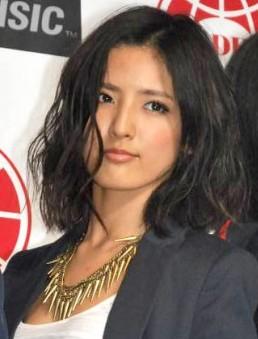 fujiisyuuka1 藤井萩花のメイク画像!すっぴんや髪型は?ブログやJJとの関連は?