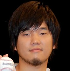 hatamotohiro 秦基博は韓国人?結婚は?前田敦子とのコラボ「アイ」動画!下手?