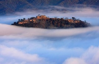 takedajyou1 天空の城!竹田城跡までのアクセスは?雲海はどの時期がみれるの?