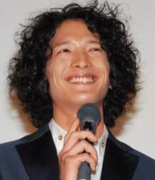 watabegouta8 渡部豪太がクロコーチでスキンヘッドに!普段の髪型は?そっくり誰?